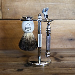 white-marble-shaving-set