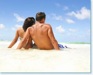 mens-back-man-woman-beach